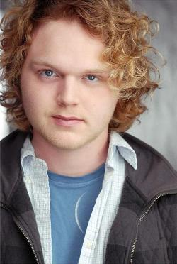 Joe Adler Style and Fashion