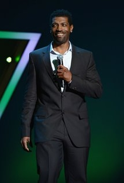 Deon Cole Style and Fashion