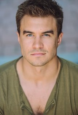 Rob Mayes Style and Fashion