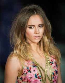 Suki Waterhouse Style and Fashion