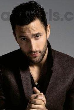 Noah Mills Style and Fashion