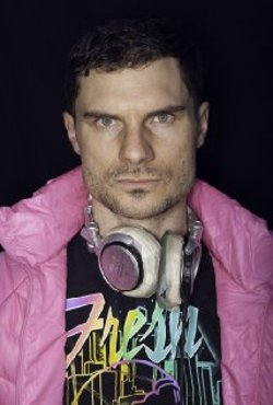 Flula Borg Style and Fashion