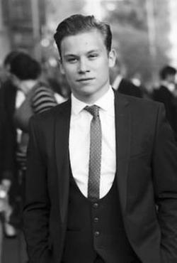 Finn Cole Style and Fashion