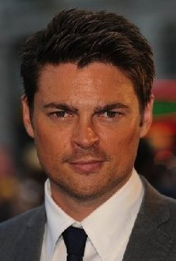 Karl Urban Style and Fashion