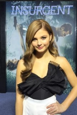 Stefanie Scott Style and Fashion
