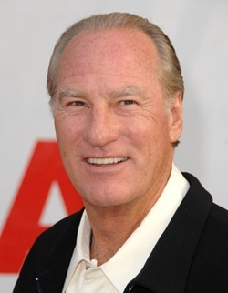 Craig T. Nelson Style and Fashion