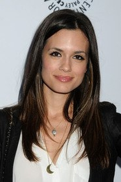 Torrey DeVitto Style and Fashion