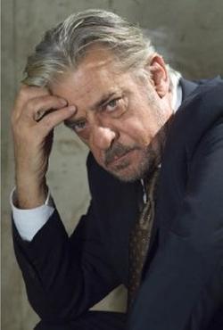 Giancarlo Giannini Style and Fashion