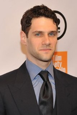 Justin Bartha Style and Fashion