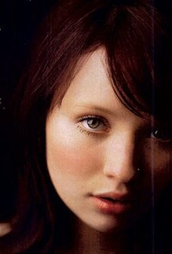 Emily Browning Style and Fashion