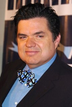 Oliver Platt Style and Fashion