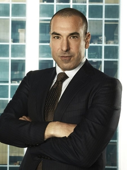 Rick Hoffman Style and Fashion