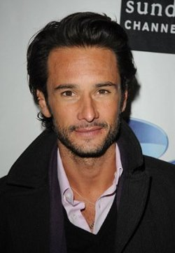 Rodrigo Santoro Style and Fashion