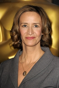 Janet McTeer Style and Fashion