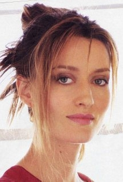 Natascha McElhone Style and Fashion