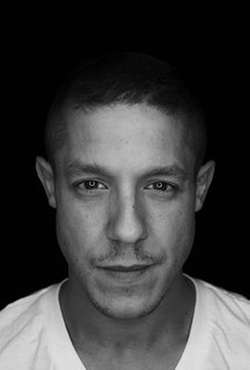 Theo Rossi Style and Fashion