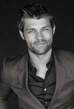 Liam McIntyre Style and Fashion