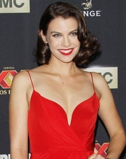 Lauren Cohan Style and Fashion