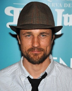 Martin Henderson Style and Fashion