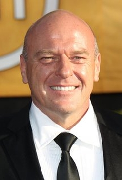 Dean Norris Style and Fashion