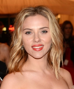 Scarlett Johansson Style and Fashion