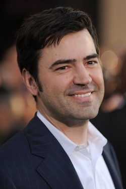 Ron Livingston Style and Fashion