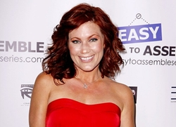 Elisa Donovan Style and Fashion
