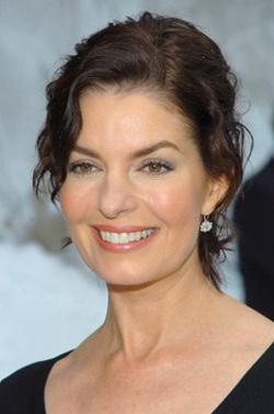 Sela Ward Style and Fashion