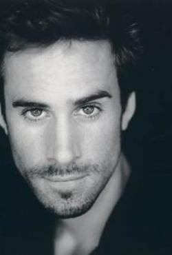 Joseph Fiennes Style and Fashion
