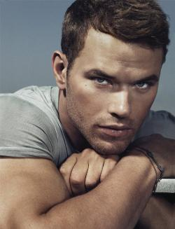 Kellan Lutz Style and Fashion
