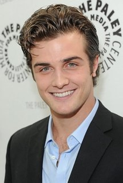 Beau Mirchoff Style and Fashion
