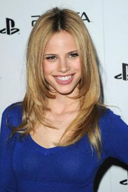 Halston Sage Style and Fashion