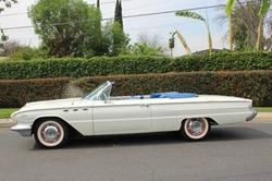 Buick - 1961 LeSabre Convertible Car
