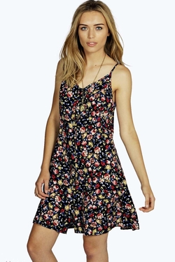 Boohoo - Rose Ditsy Floral Dress