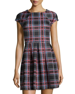 Romeo & Juliet Couture - Plaid-Print Pleated Scuba Dress, Black/combo