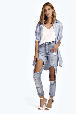 Boohoo - Brea Distressed Boyfriend Cheeky Rip Jeans