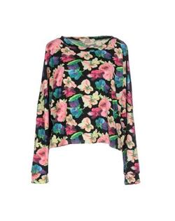 Molly Bracken - Floral Design T-Shirt
