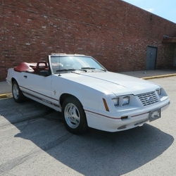 Ford - Mustang Convertible