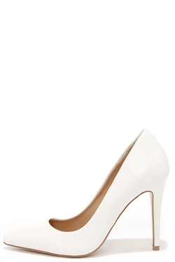 Sole Mate  - White Pointed Pumps