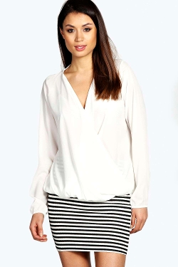 Boohoo - Maddie Wrap Front Woven Blouse