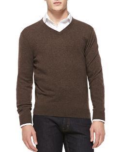Neiman Marcus  - Cashmere V-Neck Sweater