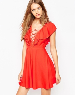 Missguided  - Lattice Detail Cape Skater Dress