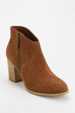Ecote Joey  - Side-Zip Suede Ankle Boot