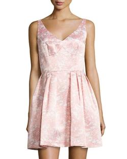 Cynthia Steffe   - Kinley Floral-Print V-Neck Dress