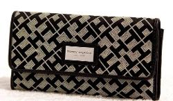 Tommy Hilfiger - CNTL Tri-Fold WaletLarge Saffiano Chain Wallet