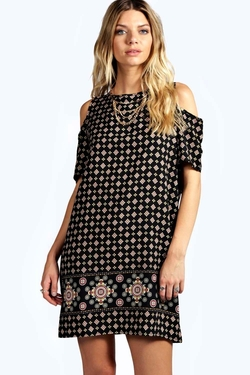 Boohoo - Alice Printed Open Shoulder Dress