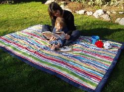 Tuffo  - Water-Resistant Outdoor Blanket with Carrying Case