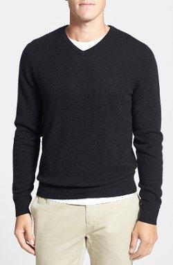1901  - Cashmere V-Neck Sweater