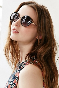 Urban Outfitters - Both Worlds Round Sunglasses