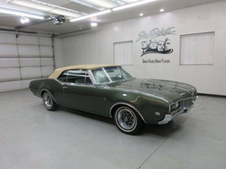 Oldsmobile  - 1968 Cutlass Convertible Car
